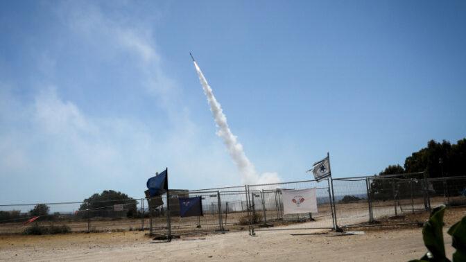 שיגור טיל יירוט מסוללת כיפת ברזל סמוך לאשקלון, 19.5.2021 (צילום: אוליבייה פיטוסי)